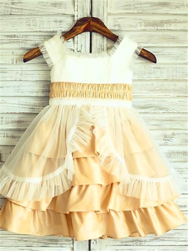 A-Linien-/Princess-Stil Rechteckiger Ausschnitt Schichten Wadenlang Satin Blumenmädchenkleid mit Perlenstickereien