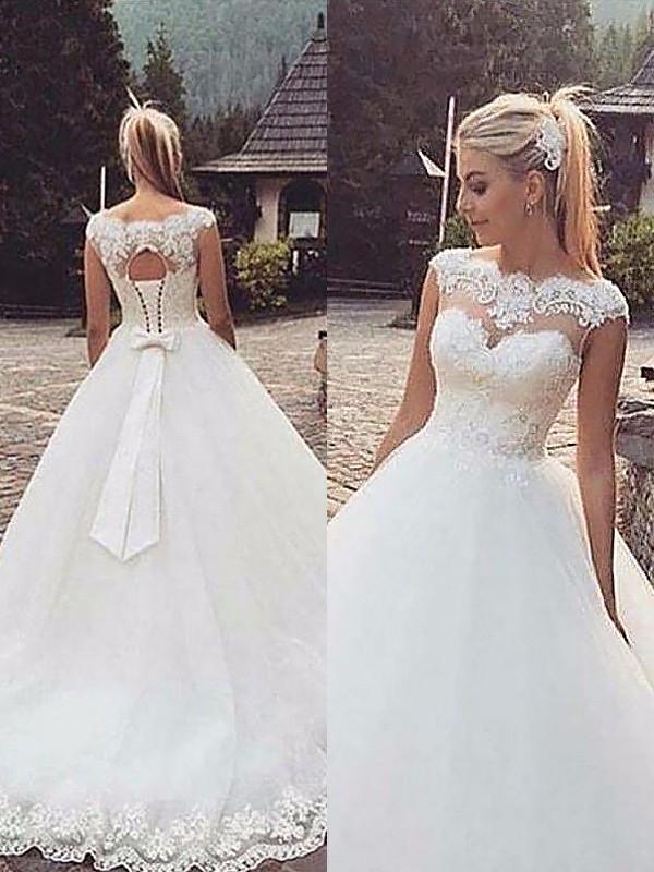 Duchesse-Stil Bateau-Ausschnitt Hofschleppe Ärmellos Tüll Brautkleid
