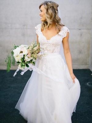 A-Linien-/Princess-Stil V-Ausschnitt Bodenlang Ärmellos Tüll Brautkleid mit Spitze