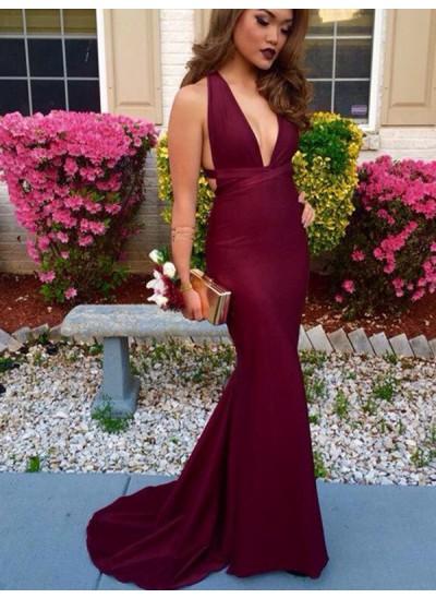Trompeten-/Meerjungfrauenkleider V-Ausschnitt Pinselschleppe Satin Abendkleid