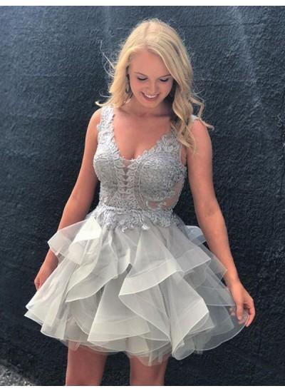 A-Linien-/Princess-Stil V-Ausschnitt Tüll Ärmellos Kurze Rückenfrei Kleid mit Applikationen