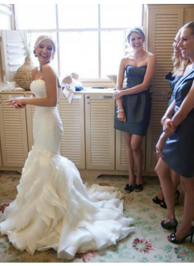 Trompeten-/Meerjungfrauenkleider Herzausschnitt Hofschleppe Ärmellos Satin Brautkleid mit Spitze