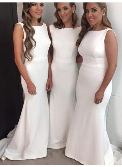 Etui-Linie Bateau-Ausschnitt Kunstseide Pinselschleppe Ärmellos Brautjungfernkleid mit Perlenstickereien